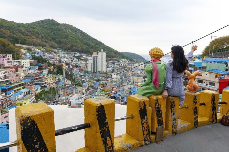 Village de culture de Gamcheon, attraction touristique c?l?bre sur le flanc de coteau de la montagne c?ti?re ? Busan, Cor?e du Su photos stock