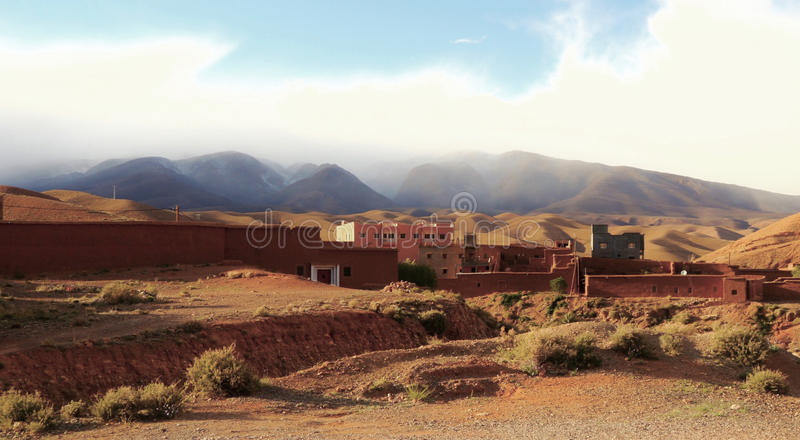 Village de désert image stock