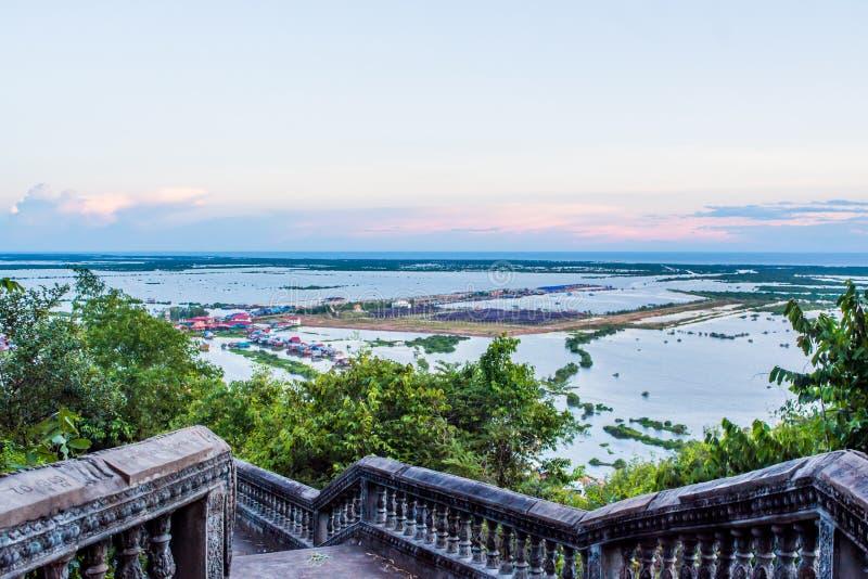 Village de flottement à la sève de Tonle image libre de droits