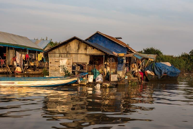 Village de flottement, Cambodge, s?ve de Tonle, ?le de Koh Rong photos stock