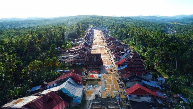 Village de Hilisimaetano photographie stock libre de droits
