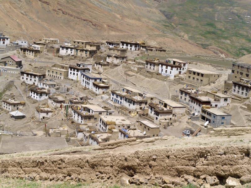Village de Kibber en vallée de Spiti l'Himalaya indien photographie stock