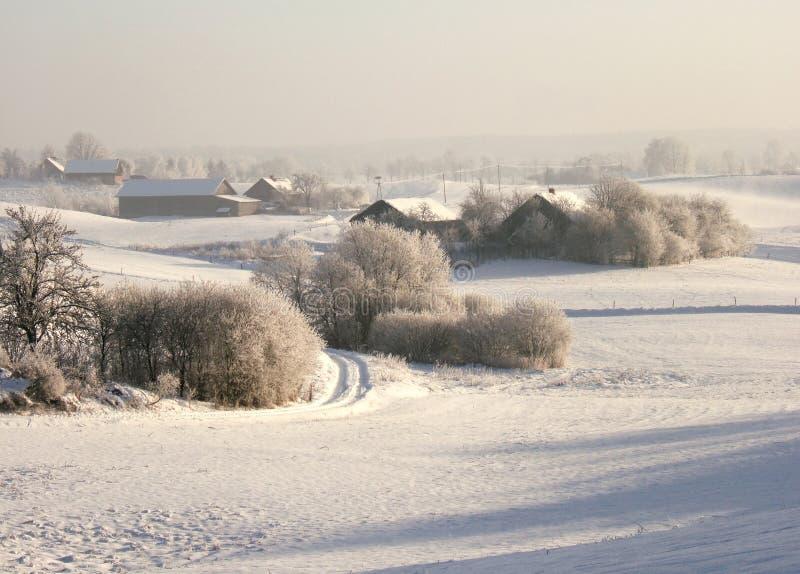 Village de l'hiver photographie stock libre de droits