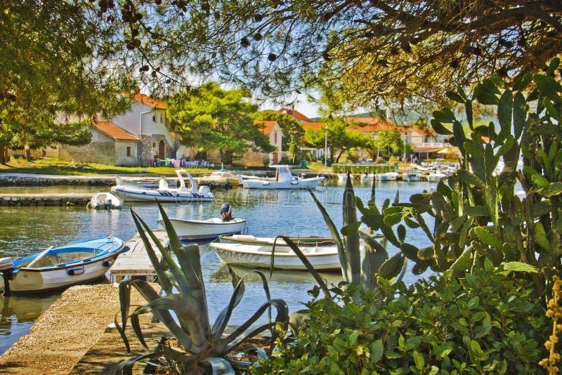 Village de la Croatie, d'Ilovik et baie photos libres de droits