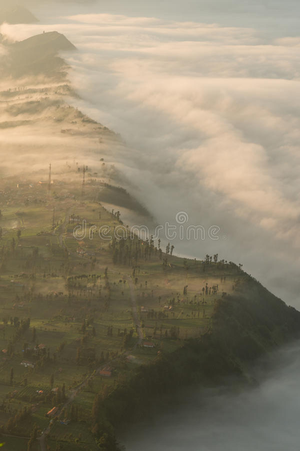 Village de lawang de Cemoro au bâti Bromo images stock