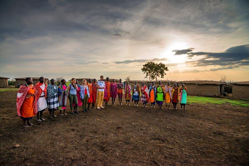 VILLAGE DE MAASAI, KENYA - 2 JANVIER 2015 images libres de droits