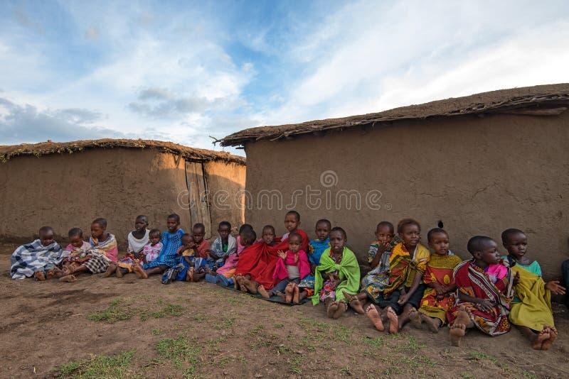 VILLAGE DE MAASAI, KENYA - 2 JANVIER 2015 photo stock
