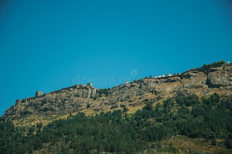 Village de Marvao sur le rocher grand photos libres de droits