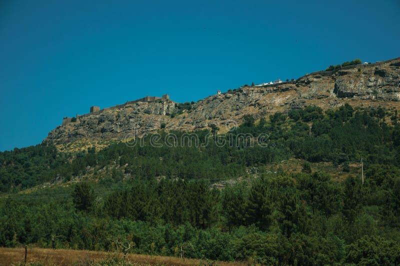 Village de Marvao sur le rocher grand image stock