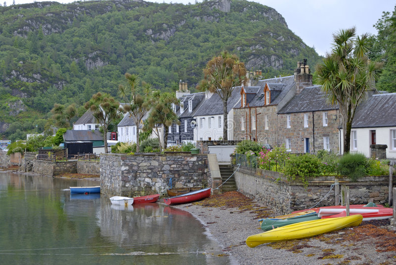Village de pêche de Plockton image libre de droits