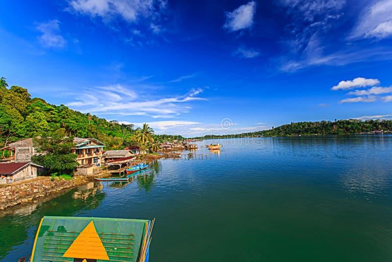 Village de paysage dans le mentawai photographie stock libre de droits