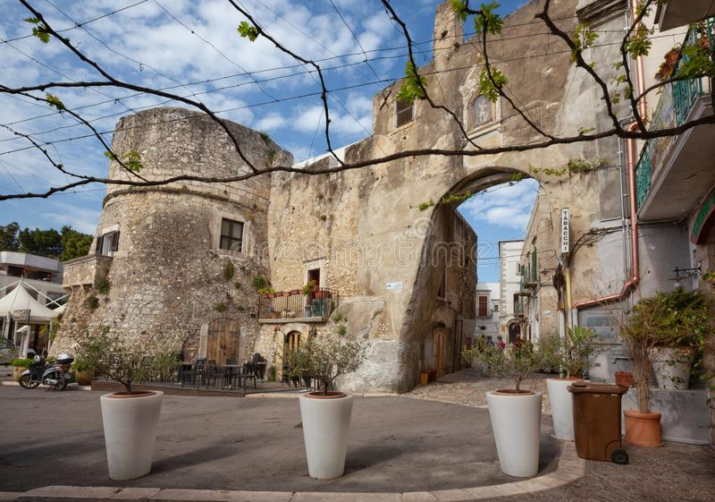 Village de PESCHICI dans Gargano, Puglia images stock