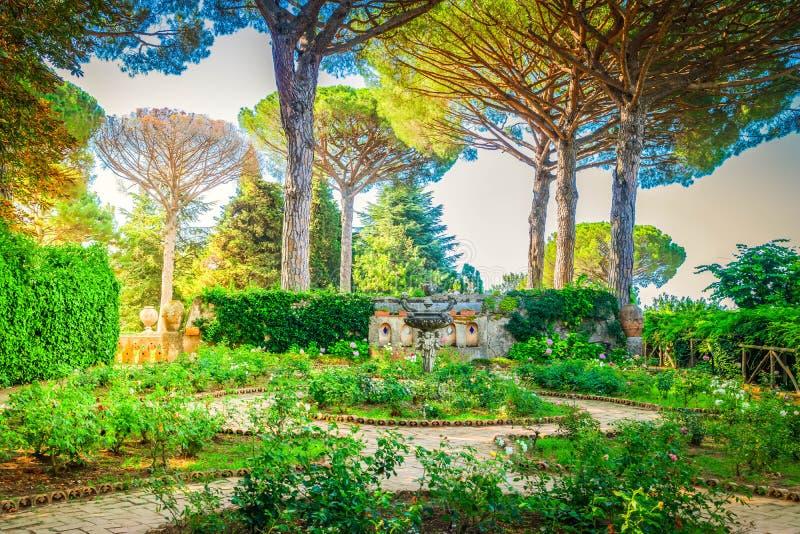 Village de Ravello, c?te d'Amalfi de l'Italie photos stock
