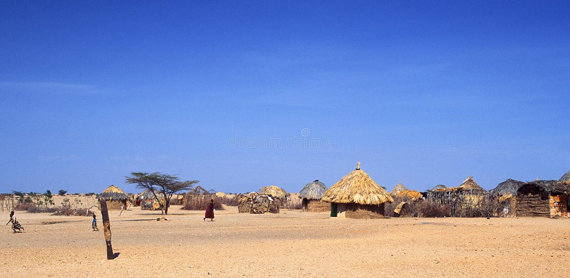 village de turkana du Kenya images libres de droits