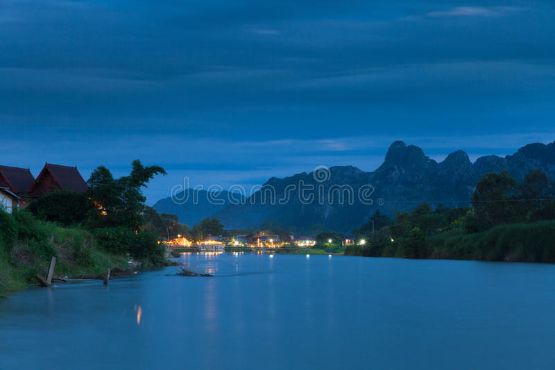 Village de Vang Vieng, Laos photo stock