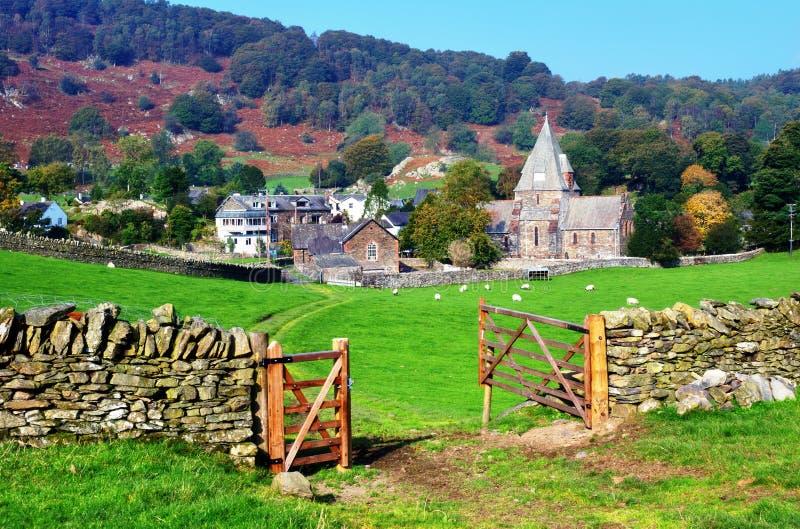 Village et église de Finsthwaite image libre de droits