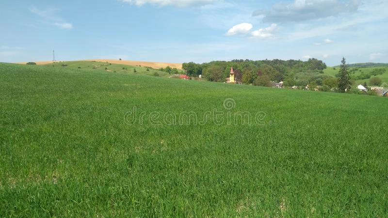 Village et champ photo libre de droits