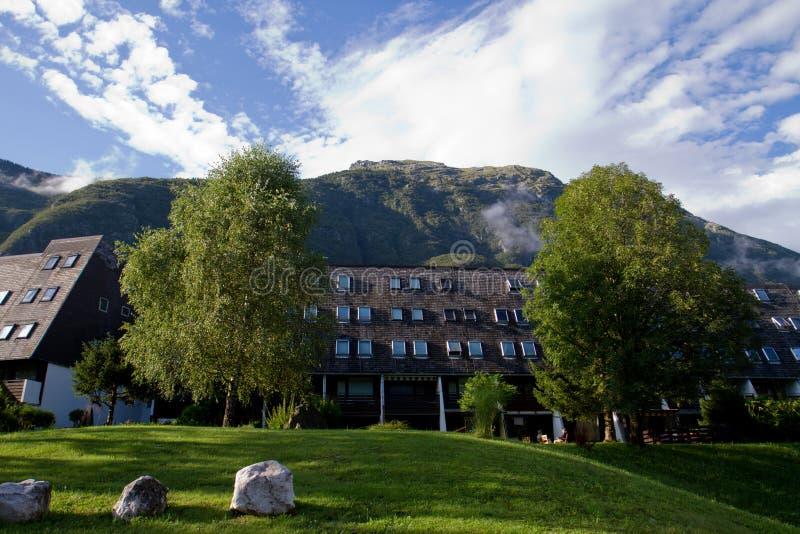 Village et montagnes de Kaninska images libres de droits