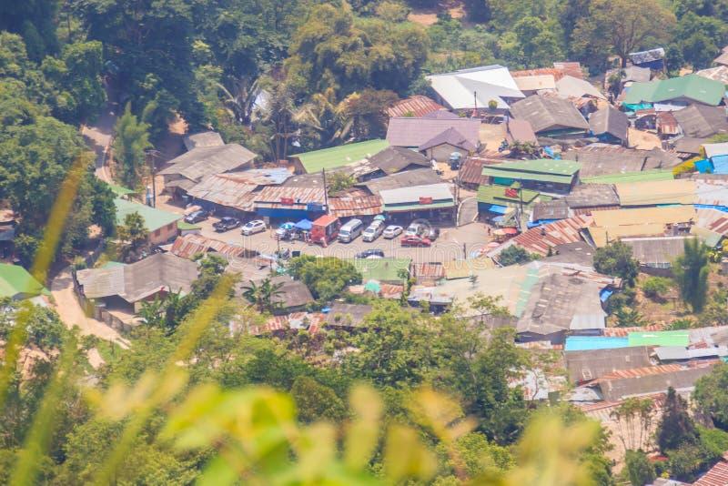 Village ethnique de colline-tribu de Doi Pui's Hmong, vue aérienne de image libre de droits