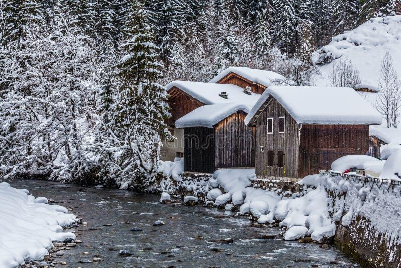 Village français en hiver image libre de droits