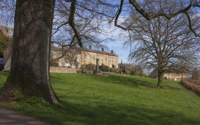 Village Green på Blockley, Gloucestershire royaltyfri fotografi