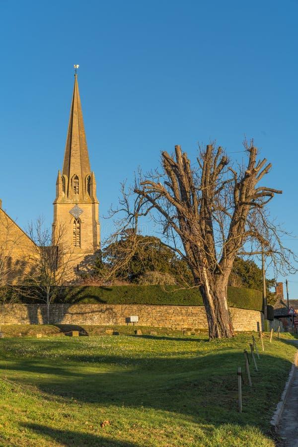 Village Green Todenham, Gloucestershire, UK royaltyfria bilder