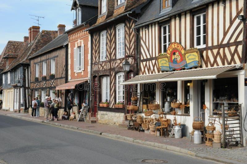 Village pittoresque d'en Auge de Beuvron dans Normandie image stock