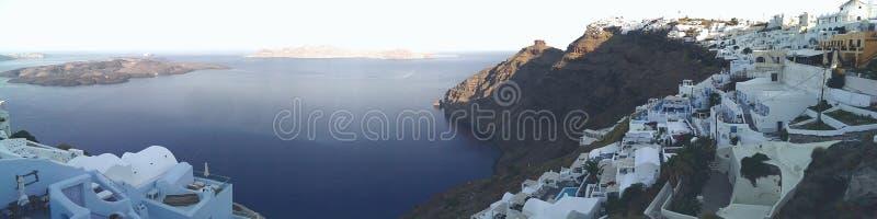 Village sur l'île de Santorini photo stock