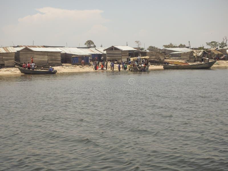 Villageois sur l'île de Ngamba, Ouganda, Afrique images libres de droits