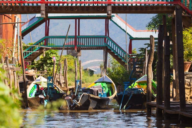 Villaggi di galleggiamento del lago Inle, Myanmar fotografie stock