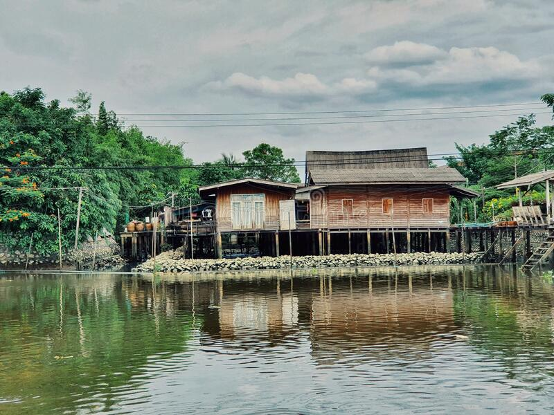 Villaggio acquatico a Bangkok, Thailandia fotografia stock