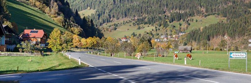 Villaggio alpino Hinterkoflach Carinthia, Austria fotografia stock libera da diritti