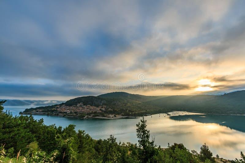 Villaggio del Sainte-Croix-du-Verdon fotografia stock libera da diritti