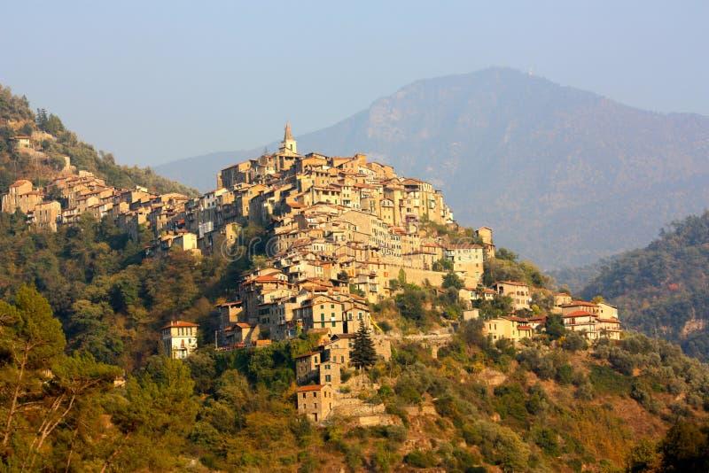 Download Villaggio Di Apricale In Liguria, Italia Fotografia Stock - Immagine di vegetazione, medioevale: 7312560