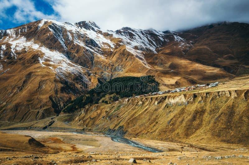 Villaggio di Bilad Sayt in Al Hajar Mountains nel sultanato dell'Oman immagini stock