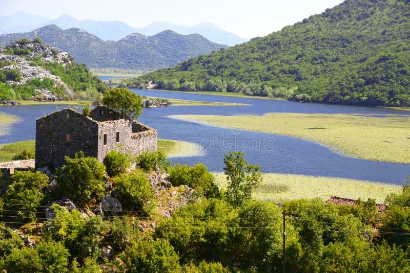 Villaggio di Karuc sul lago Skadar, Montenegro immagini stock