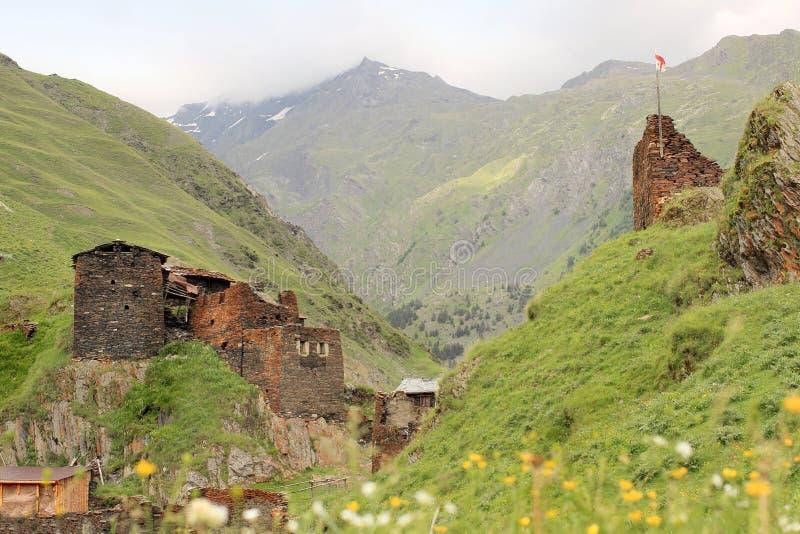 Villaggio di Kvavlo Regione di Tusheti (Georgia) fotografia stock libera da diritti