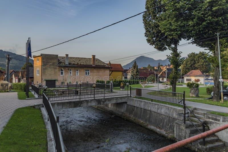 Villaggio di Likavka nella mattina soleggiata di estate fotografia stock
