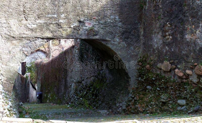 Villaggio di Medioeval, rampa di scale Castiglione Olona Italia immagini stock