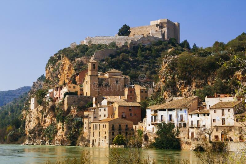 Villaggio di Miravet in Catalunya, Spagna fotografia stock libera da diritti
