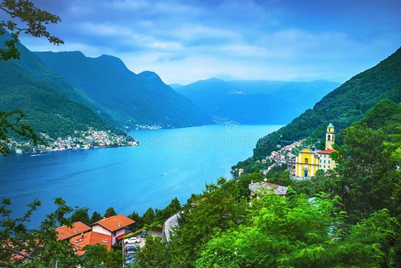Villaggio di Pognana Lario e di Torriggia, landscap del distretto del lago Como fotografie stock libere da diritti