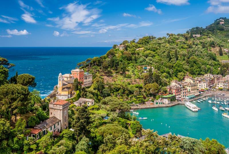 Villaggio di Portofino sulla costa ligura, Italia fotografia stock libera da diritti