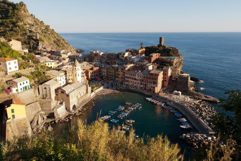 Villaggio di Vernazza in Cinque Terre, Italia fotografia stock libera da diritti