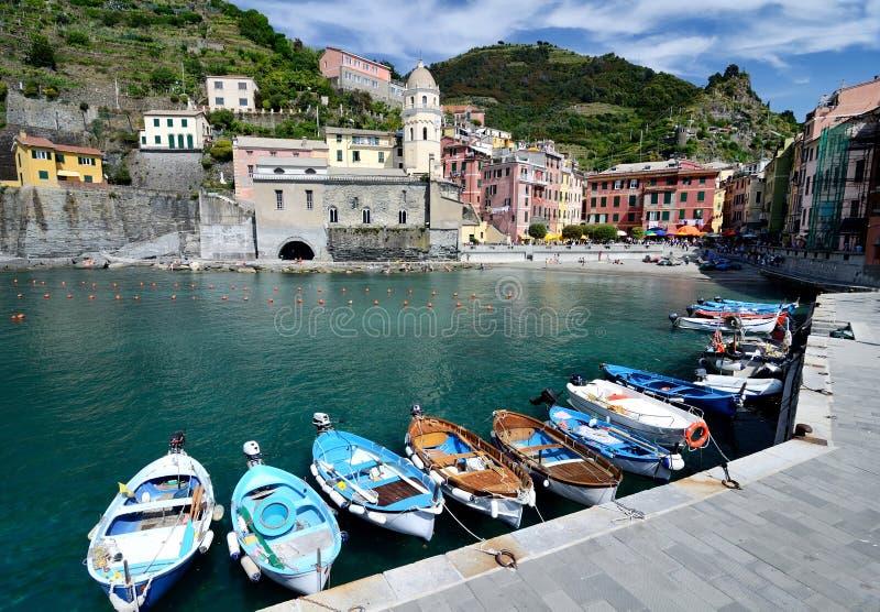 Villaggio di Vernazza nel Cinque Terre, Italia fotografie stock libere da diritti