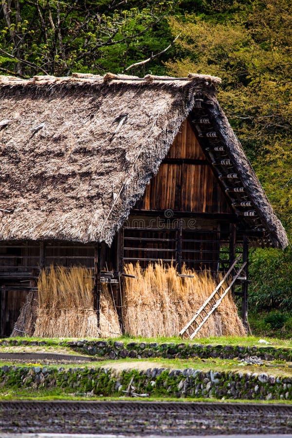 Villaggio giapponese tradizionale e storico Ogimachi - Shirakawa-va, il Giappone immagini stock