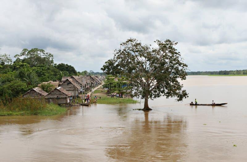 Villaggio indigeno - Perù fotografia stock libera da diritti