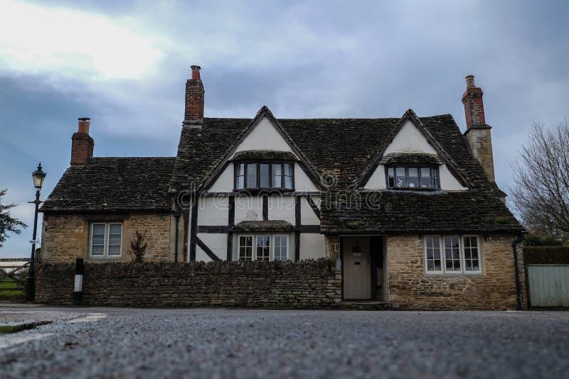 Villaggio inglese tradizionale immagini stock libere da diritti