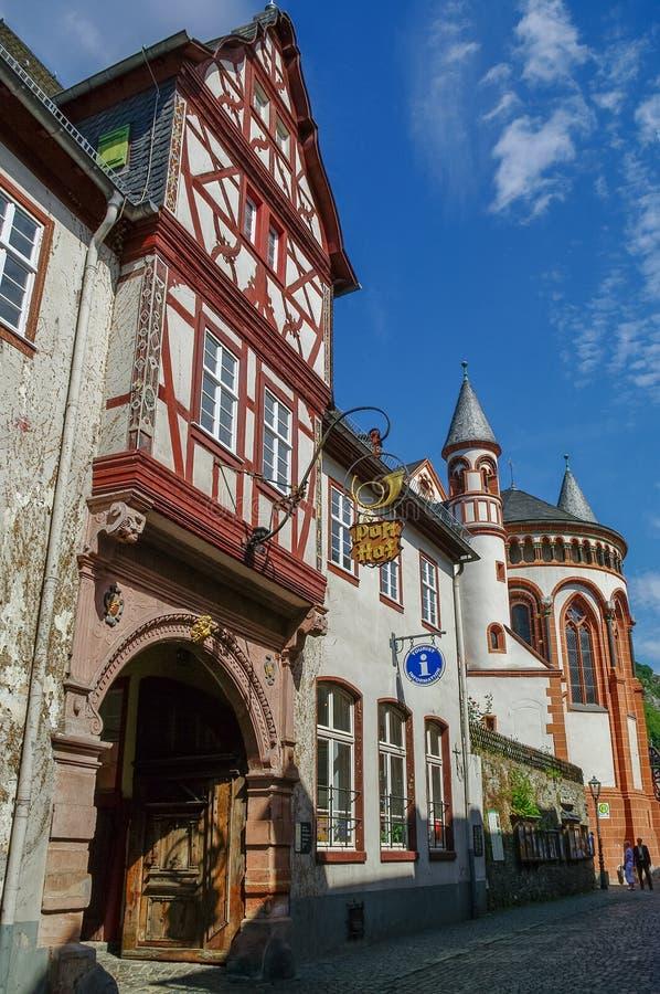 Villaggio medievale Bacharach Strutture tradizionali Fachwerk uff fotografia stock libera da diritti