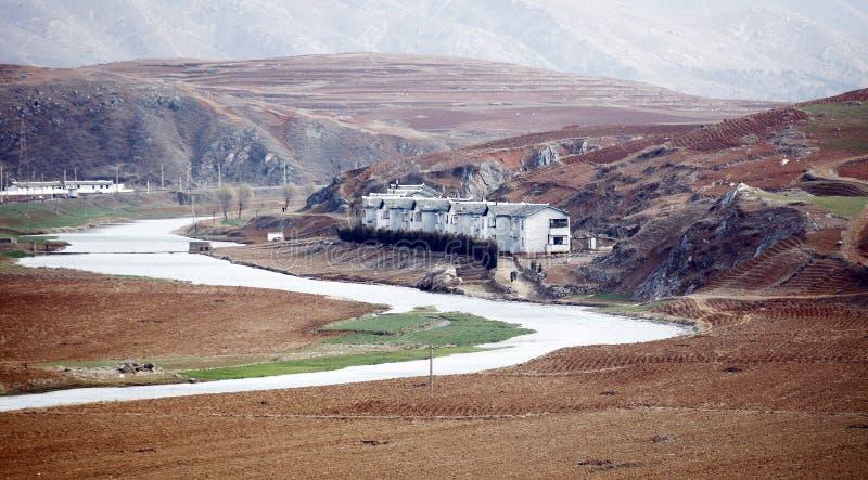 Villaggio nella zona di montagna immagini stock libere da diritti