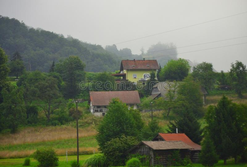 Villaggio pittoresco Slovenia Europa della piccola montagna fotografia stock